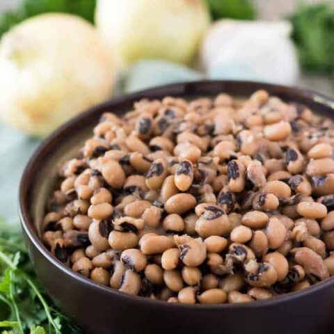 The instant pot black eyed peas served in a bowl.