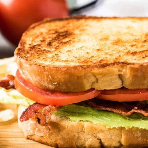 A photo showing the layers of the finished sandwich.