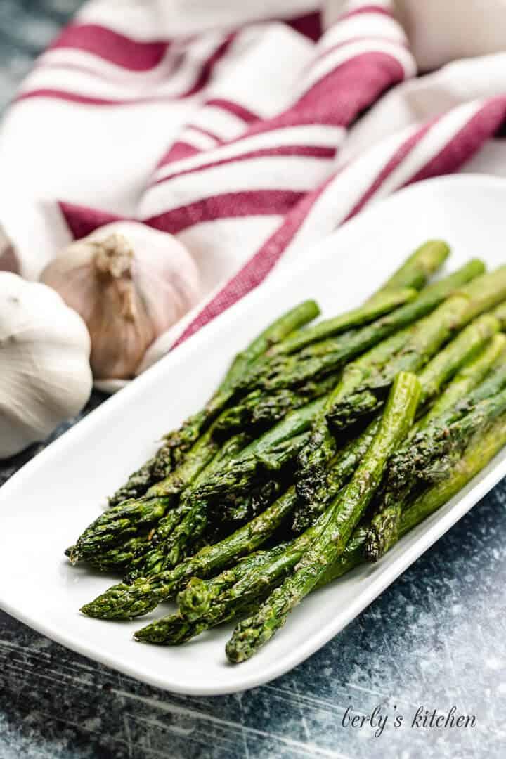 Air fryer asparagus 6 seasoned air fryer asparagus