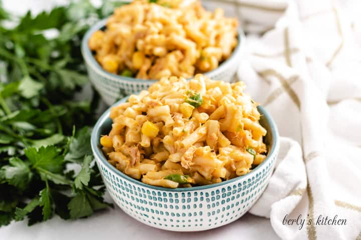 Two colorful bowls filled with the Instant Pot tuna mac.