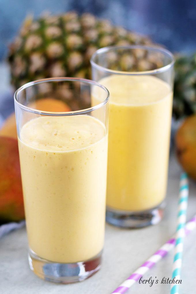Pineapple mango smoothie 4 easy pineapple mango smoothie
